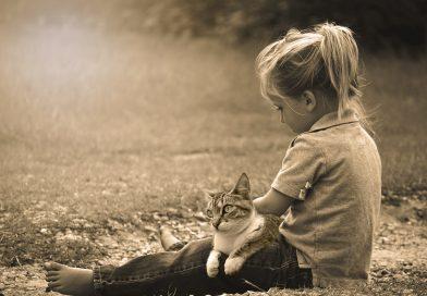 Gatti e bambini: tutti i segreti di una convivenza felice
